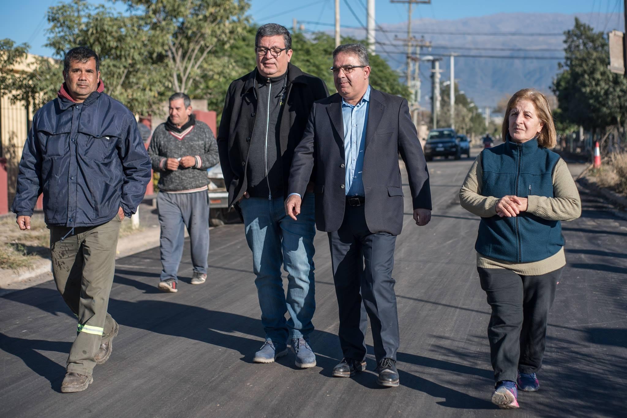 Trabajos de pavimentación en barrios San Marcos y Santa Lucía